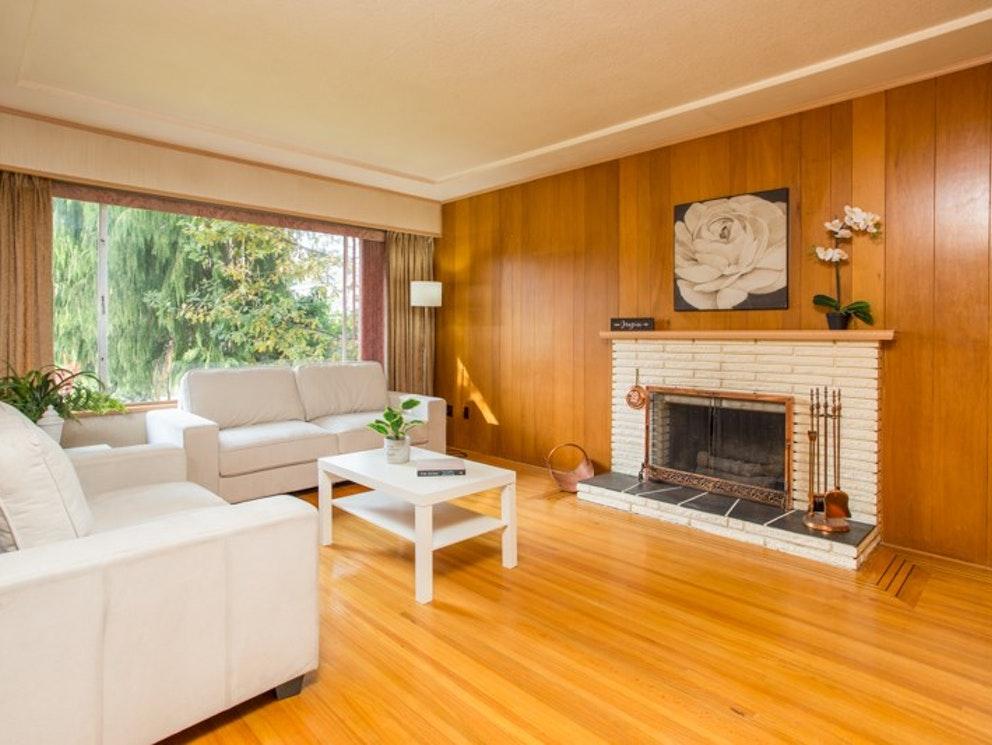 Newport Drive | Living Room